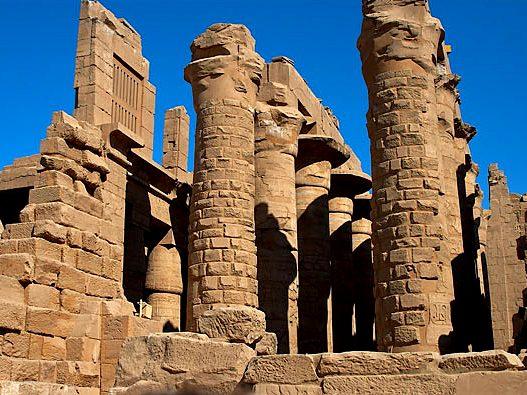 Фото Ритуальная дорога из стекла в Древнем Египте