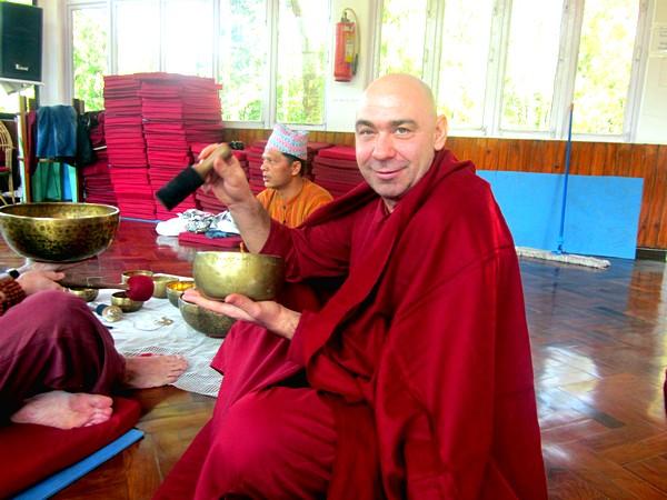 Фото 1-3 июня,2012 года в Новосибирске семинар «Тайны Тибетской Йоги с Поющими Чашами»