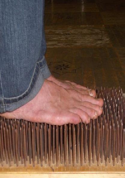 Йога-тур. Стояние на гвоздях
