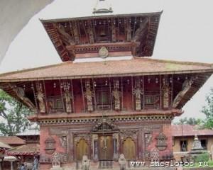 Храм бога Вишну — Чангунараян. Йога-тур в Мустанг