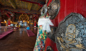 Йога-тур в Мустанг