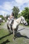 Отдых на Алтае. Катание на лошадях. Полины совмещают приятное с полезным!