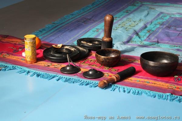 Фото Анна Флер Сечение розгами и Гималайские Духовные Колокола