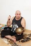каникулы зимой. массаж поющими чашамии гималайскими духовными колоколами